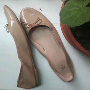 Simple Nude Bow Flats